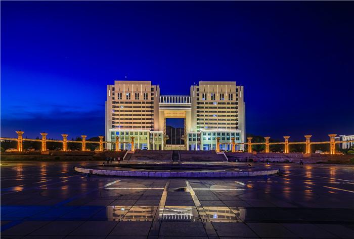 崂山区区政府大楼.jpg